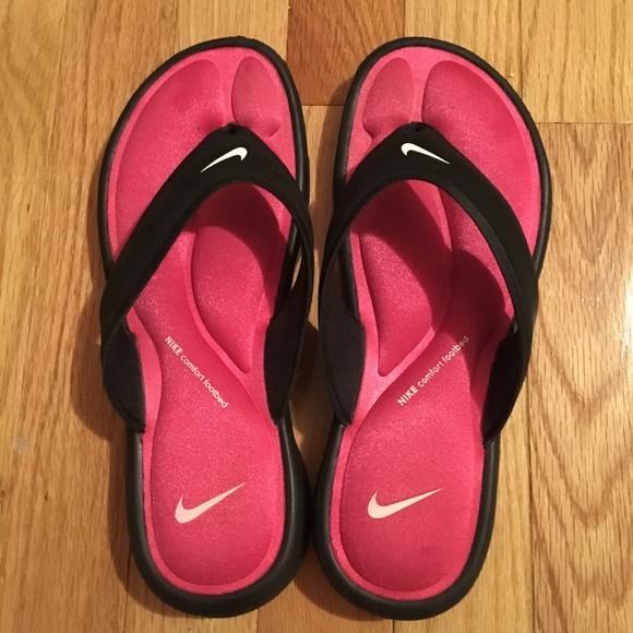 f6c31fbd2 Nike Sandals. M 5b8e04717386bca62d1231d9